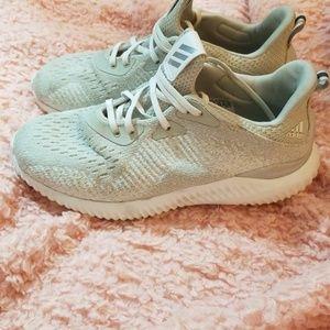Adidas Gray Alpha Bounce 3 Size 8